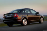 ford-focus_sedan